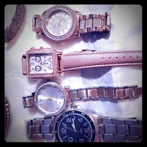 WATCHES 25 TO 75 PER